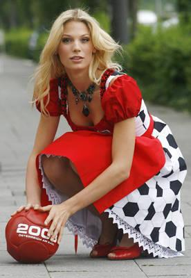 arah Brandner German star Bastian Schweinsteiger was lucky enough to land German super-duper-model Sarah Brander.