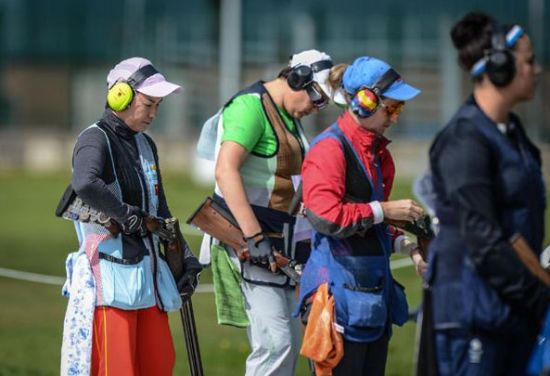 She was born in Yueyang, Hunan province on Jan 27, 1971. Liu won first place on women's trap at the 2007 and 2011 World Championships. She has attended the Olympics twice. She did not qualify for the women's skeet final, ending her Olympic trip with the 12th ranking in 67 shooters. [Photo/Xinhua]