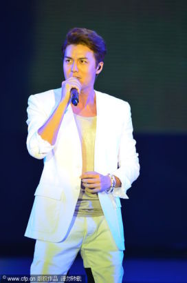Chinese actor Wu Kequn attends at the 13th Chinese Film Media Awards in Quanzhou, Fujian province on August 18, 2013.