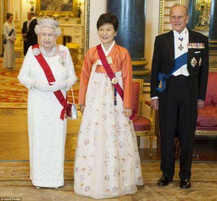 Park Geun-hye and Queen Elizabeth II