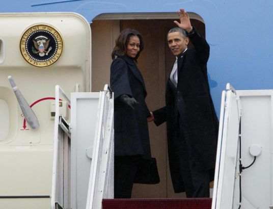 First couple of the United States leave for S.Africa to attend Mandela funeral