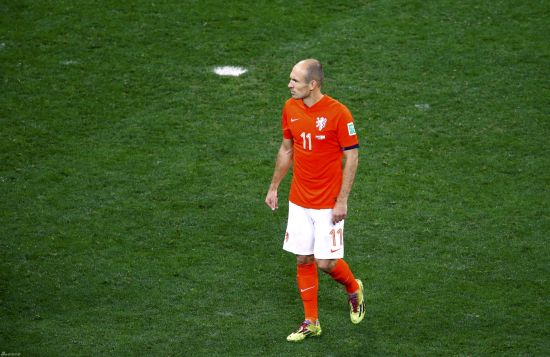 Argentina beat Dutch on penalties to reach final