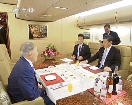 he first exposure of the interior of the president's special plane was on September 8, 2013, when Kazakhstan president Nazarbayev had a conversation with Chinese president Xi Jinping during Xi's state visit in Kazakhstan.Photo source: Sina.com