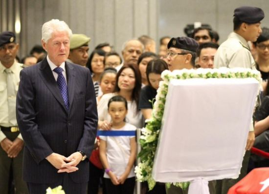 Former US president Bill Clinton at the funeral.
