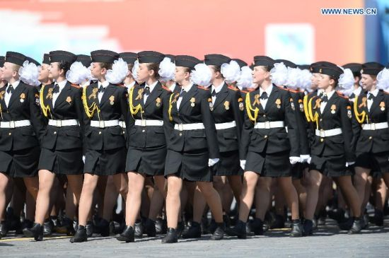 Suvorov Military School takes part in the military parade marking the 70th anniversary of the victory in the Great Patriotic War, in Moscow, Russia, May 9, 2015. (Xinhua/Jia Yuchen)
