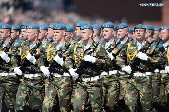 Special Operations Forces of the Armed Forces of Belarus take part in the military parade marking the 70th anniversary of the victory in the Great Patriotic War, in Moscow, Russia, May 9, 2015. (Xinhua/Jia Yuchen)