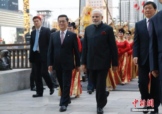 A Tang style welcoming ceremony was held in Xi'an for visiting Indian Prime Minister Narendra Modi on Thursday, May 14.