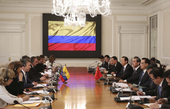 Premier Li Keqiang meets with Colombian President Juan Manuel Santos.[Photo/Xinhua]
