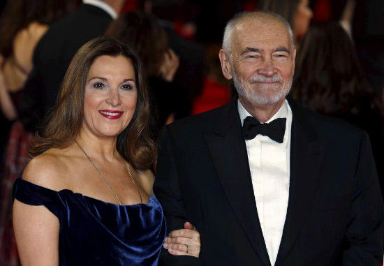 Producers Barbara Broccoli (L) and Michael G. Wilson pose for photographers on the red carpet at the world premiere of the new James Bond 007 film Spectre at the Royal Albert Hall in London, Britain, Oct 26, 2015.[Photo/Agencies]