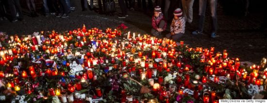 Victims mourned in Paris