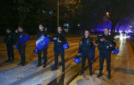 Turkish police officers block a street after an explosion in Ankara, Turkey February 17, 2016. REUTERS/Umit Bektas