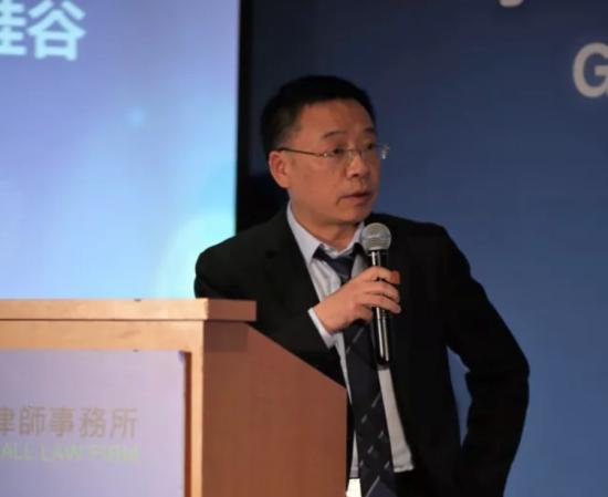 事务所管理合伙人刘向明律师介绍中国政府关于跨境并购的相关法律框架