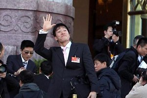Liu Xiang always a big draw at CPPCC opening
