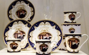 Royal wedding souvenirs hit the market