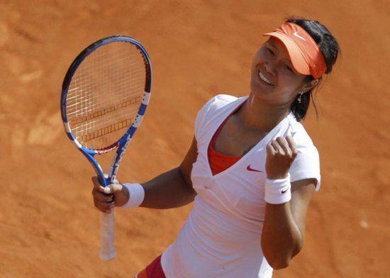 China's Li Na reaches 2nd round at French Open