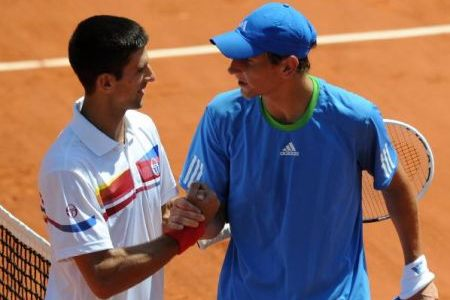 Djokovic, Federer grab opening wins at French Open