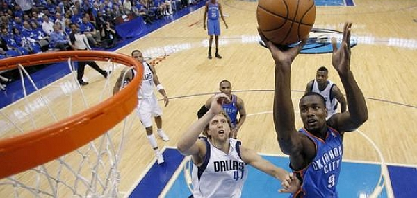 Nowitzki's 48 leads Mavs past Thunder in Game 1