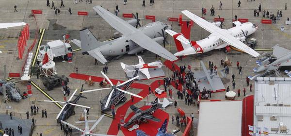 Paris Air Show opens spectacularly