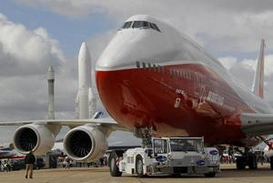 Elongated Boeing 747 lands at Paris Air Show