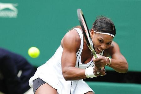 Serena Williams battles through first round at Wimbledon