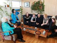Premier Wen visitsfarm in Iceland