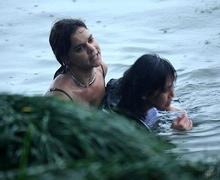 American woman saves a drowning Chinese woman in West Lake