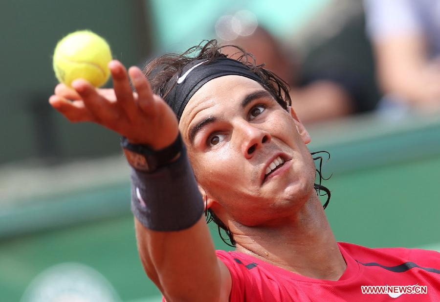 Nadal beats Istomin 3-0 at French Open