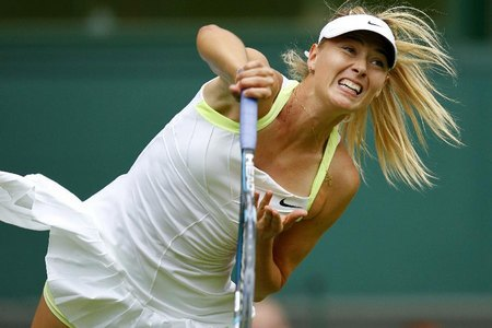Sharapova eases into Wimbledon second round