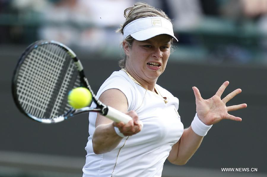 Clijsters advances into Wimbledon second round