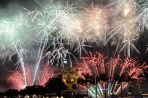 HK stages fireworks display