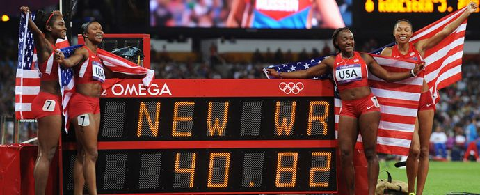 U.S. breaks women's 4x100m relay world record