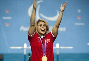 Turkey wins gold medal of powerlifting in London